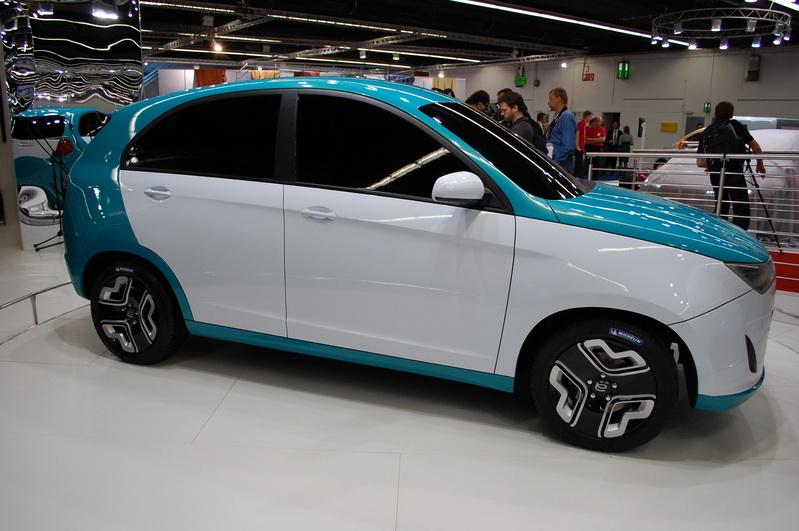Клип небольшой репотраж из ё-мобиль зоны на франкфуртском автосалоне 2011 онлайн