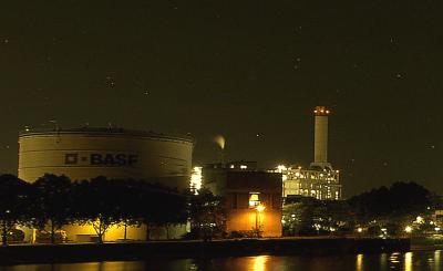 Завод BASF в Людвигсхафене © Ralf Engelberger. Фото с сайта wikipedia.org