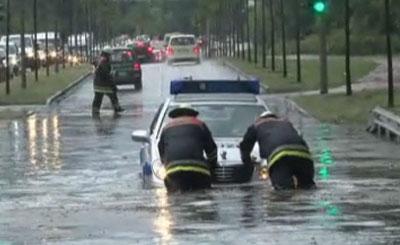 Дожди затопили Берлин и Гамбург. Кадр телеканала n-tv