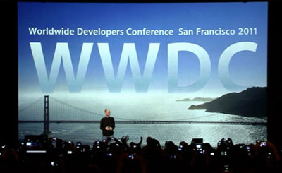 Стив Джобс на конференции WWDC. Кадр телетрансляции с официального сайта Apple