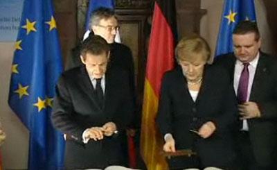 Николя Саркози и Ангела Меркель. Кадр телеканала N24