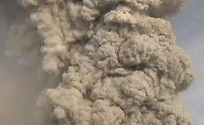 Облако дыма от извержения чилийского вулкана. Телекадр N24