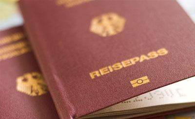 Немецкий загранпаспорт © Mikel Wohlschlegel - Fotolia.com