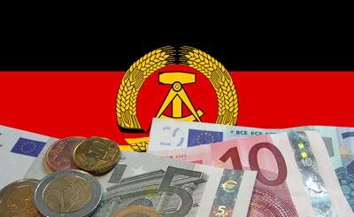 Флаг ГДР и евро. Коллаж