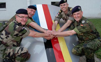 Военнослужащие франко-немецкой бригады. Фото с сайта df-brigade.de