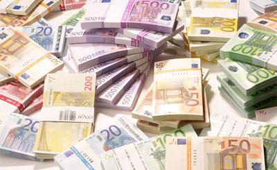 Евро © Franz Pfluegl - Fotolia.com