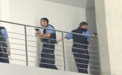 Полиции пока не удалось обнаружить преступника. Телекадр N24