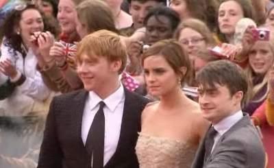 Герои фильма о Гарри Поттере на премьере заключительной части. Телекадр N24