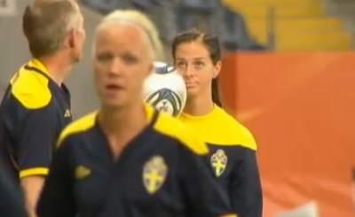 Футболистки сборной Швеции готовятся к поединку с Японией. Телекадр ZDF