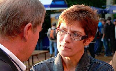 Аннегрет Крамп-Каренбауэр. Фото из страницы политика на Facebook. Автор CDU Saar