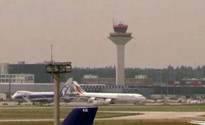 Башня авиадиспетчеров в немецком ажропорту. Кадр телеканала N24