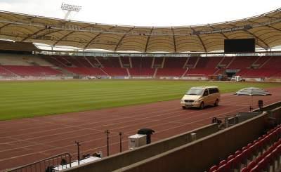 Арена в Штутгарте в ожидании товарищеского матча Германии и Бразилии. © Florian K. Фото с сайта wikipedia.org
