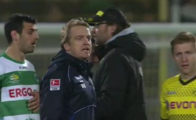 Главные тренеры команд Майк Бюскенс и Юрген Клопп не скрывали своих эмоций после матча. Кадр телеканала Sky