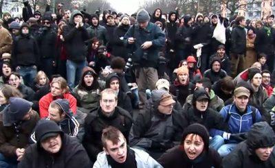 Демонстрация против нацистов. Скриншот Youtube. Видео пользователя ZusammenGegenNazis