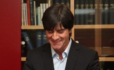 Йоахим Лёв. Фото для прессы Немецкого Футбольного Союза (DFB)