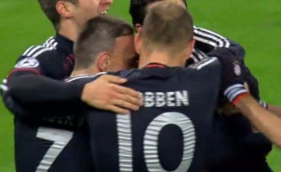 Бавария отгрузила Лиллю 6 мячей. Кадр телеканала Sky