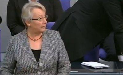 Аннете Шаван. Кадр телеканала ZDF