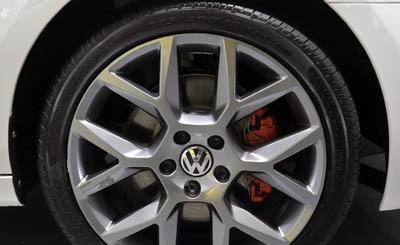 Видеокадр пользователя Peoria Volkswagen, YouTube