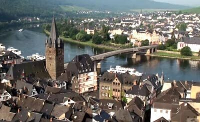 Видеокадр пользователя Bernkastel-Kues tourism in Mosel in Germany, YouTube