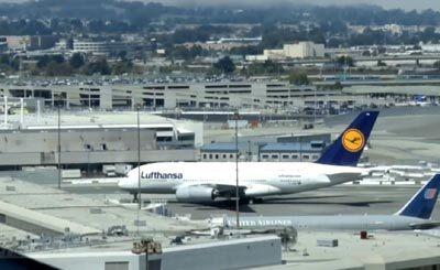 Видеокадр пользователя SpottingPlanes AirportHD, YouTube