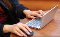 Карманный ноутбук от производителя приставок