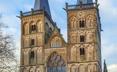 Xanten Cathedral © borisb17 - Fotolia.com