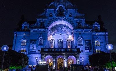Nürnberg / Opernhaus in der blauen Nacht © Markus - Fotolia.com